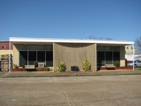 Commercial Building, 100 Block E. Washington St., Aberdeen, MS - Front Facade; March 11, 2010; W. White, photographer