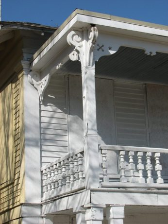 I. Y. Johnson House, 108 W. Canal St., Aberdeen, MS - Front Porch Detail; March 11, 2010; W. White, photographer